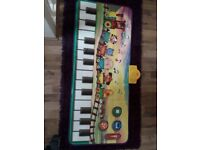 Baby music toys