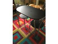 Table n 2 chairs