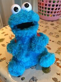 Cookie Monster Count n Crunch by Hasbro