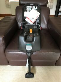 Britax baby car seat with ISOFIX base