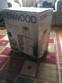 Kenwood Centrifugal Juicer JE720 700W