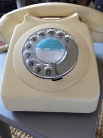 Original vintage retro rotary dial cream phone