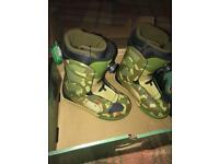 Brand new men's K2 Snowboard Boots size UK 7