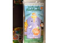 Brand new Reusable food pouches for baby food/yoghurt