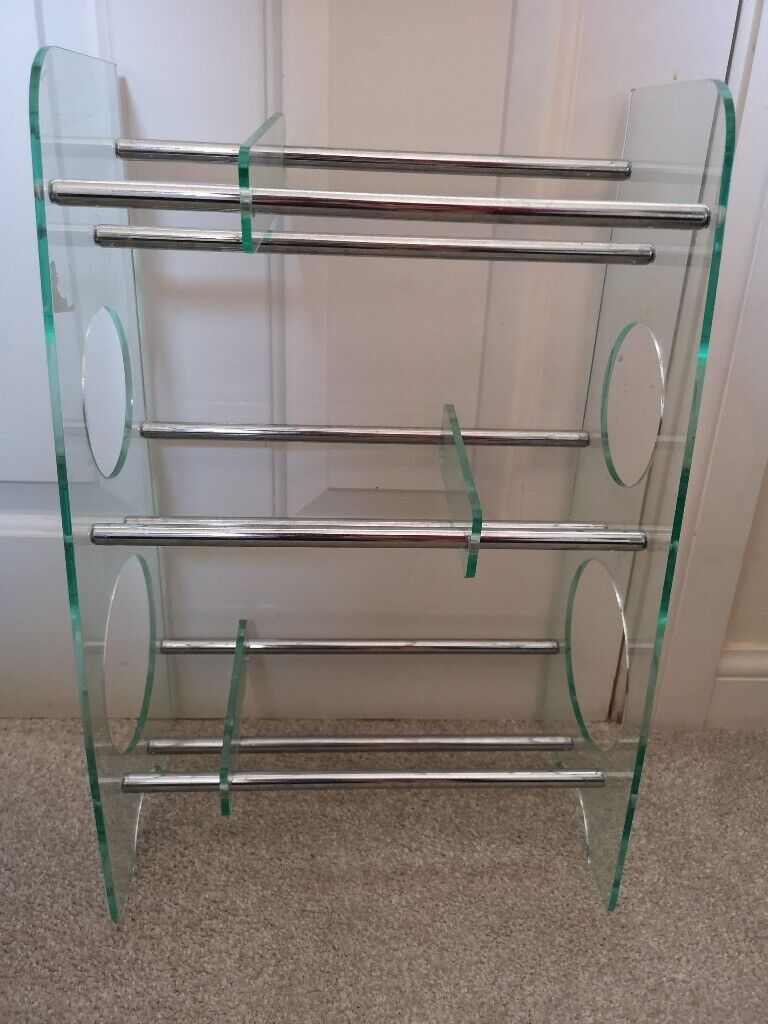 Small Contemporary Shoe Rack With Adjustable Spacers In