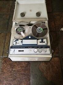 Vintage Elizabethan tape recorder/player