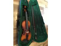 Antoni 1/2 violin with bow Includes carry case Ideal first violin