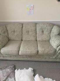 3 seater settee/sofa 2 chairs excellent condition