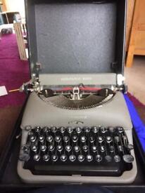 Working typewriter in carry case