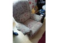 Can deliver, very clean electric armchair