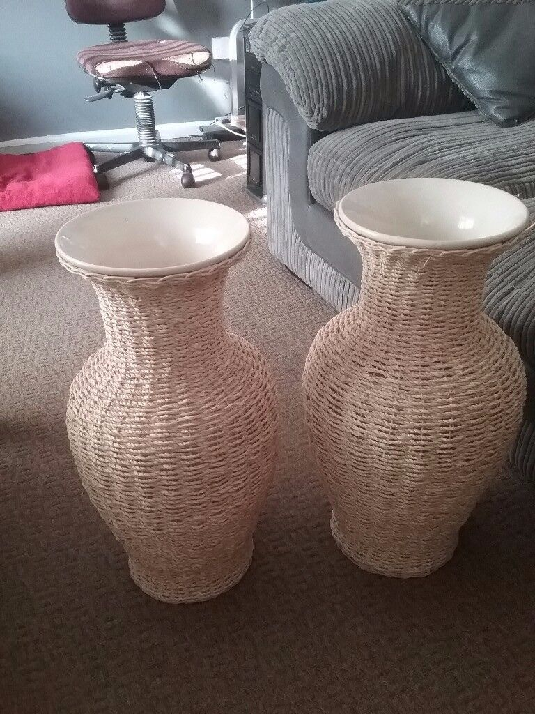 Large vase x2 matching pair