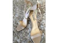 Size 4 boohoo heels