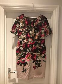 Ladies Oasis floral print shift dress