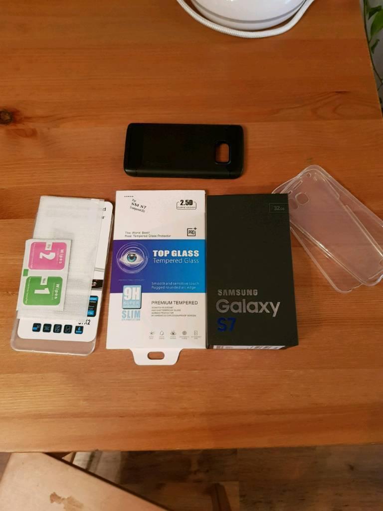 Samsung Galaxy S7 32GB Unlocked + Extras