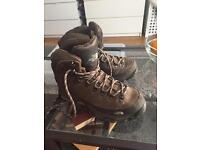 North Face Hiking Boots Women size 7 (40)