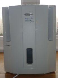 DeLonghi Tasciugo Ariadry Slim dehumidifier, Model DES16E