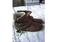 Ladies brown boots size 5