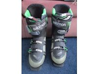 Salomon Quest Ski Boots 110 Energyzer (29) + Goggles USED CONDITION