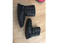 Girls black ugg boots size 2