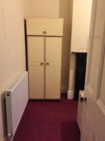 Double room with toilet for rent at Longsight Manchester, Shared House with Asian family