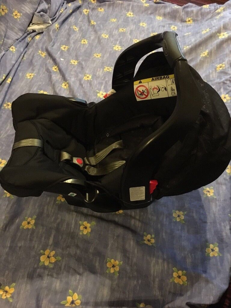 Brand New in Box Unused Graco Baby Car Seat.