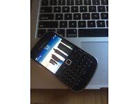 Blackberry Bold 9900 unlocked mint condition