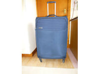 Large super lightweight wheelie suitcase