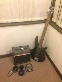 Ibanez GSR205 5-String Bass + 20W Bass Amp + Zoom G1 Guitar Multi Effects Pedal