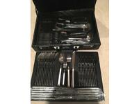 Brand new set of 72 piece cutlery