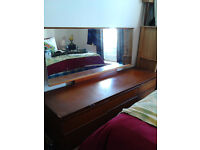 6 DRAWERS WITH MIRROR FOR FREE