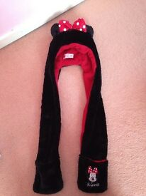 Girls Minnie Mouse hat scarf and mittens combo
