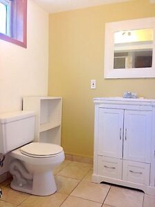 UWO: SINGLE BEDROOMS STEPS TO CAMPUS $400 ALL INCLUSIVE MAY 1