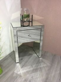Lucia Large 1 Drawer Mirrored Bedside BRAND NEW