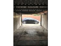 Large Double Garage To Let