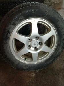 HYUNDAI ELENTRA MAGS WITH SUMMER TIRES 215/60/R16