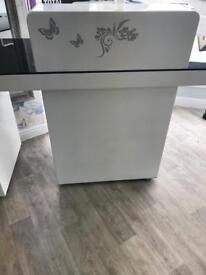 Salon reception desk