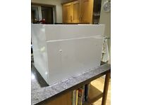 White gloss wall hung vanity unit 590mm