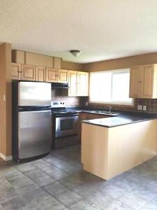 Have the best of it all---LOCATION, STYLE AND CONVENIENCE! Edmonton Edmonton Area image 4
