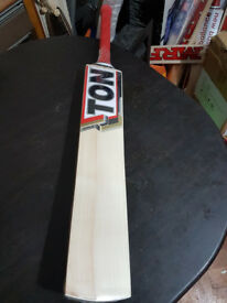 Details about Powerfull Cricket Bat HUGE 35 mm Edge 13 Top Grains 2.7 Weight ENGLISH WILLOW