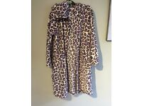 BLUEZOO PURPLE JAGUAR PRINT DRESSING GOWN AGED 12/13-35 ONO
