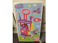 Peppa Pig cleaning station toy, gift, girl,- brand new, boxed