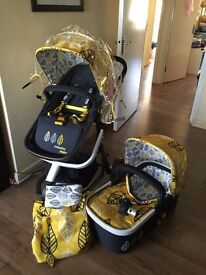 Pushchair and Pram Cosatto Giggle Oaker ALMOST NEW in Isle of Dog