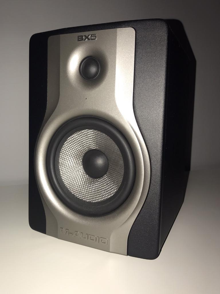M-Audio BX5 Carbon Professional 2-Way 5 inch Active Studio Monitor (PAIR)