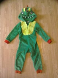 Dinosaur onesie, 4 to 5 year old, good condition
