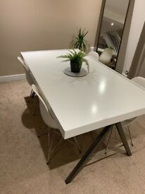 White Table With 4 Chairs