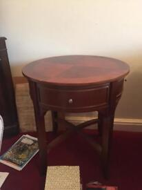 Lovely Round side table