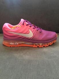 Nike AirMax Size 6 ( Brand New)