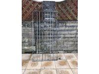 2 x galvanised gates 5 x hanging basket brackets
