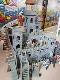 Imaginurium Medevil Wooden Castle. With Schleich Knight Figures