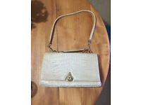 Vintage women's ladies white Rieke Modell brand croc handbag bag